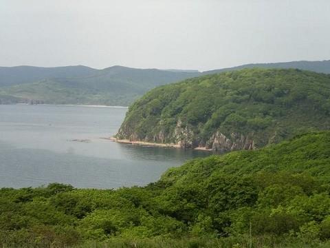 Отдых на острове Русском - соседний остров Шкота
