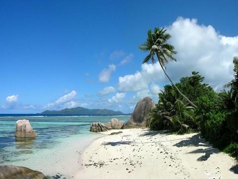 отдых на Сейшельских островах, остров Ла Диг - гордость острова - его шикарные пляжи