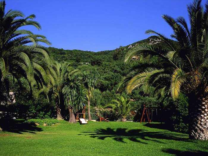 Отдых на острове Корфу - утопающий в зелени остров