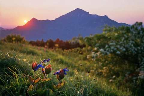 Кавказские Минеральные Воды - восхитительные пейзажи вокруг гор во время рассвета