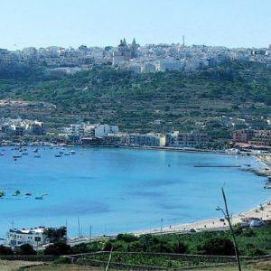 Отдых на Мальте - заливе Меллиехи, песчаный пляж